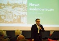 "Presenting ""Cities in neomedieval era"" (see: neomedievalism.net for more) during Foresight 2036/2056 conference in the framework of European Capitol of Culture; Wroclaw (2016)"